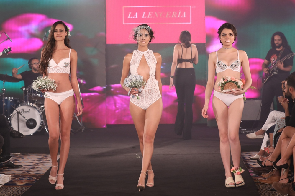 Models at Karishma Jumani Show IIFW (23)