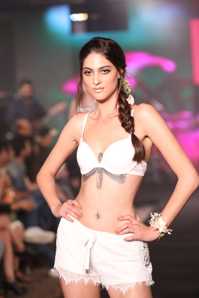 Models at Karishma Jumani Show IIFW (25)