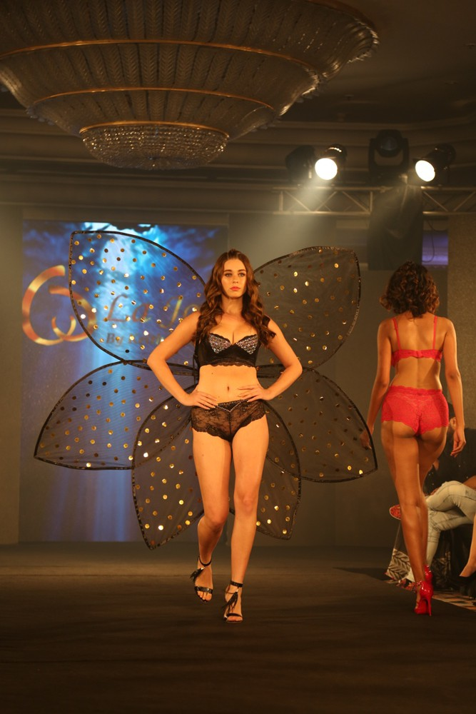 Models at Keith Jackson Show at IIFW (22)