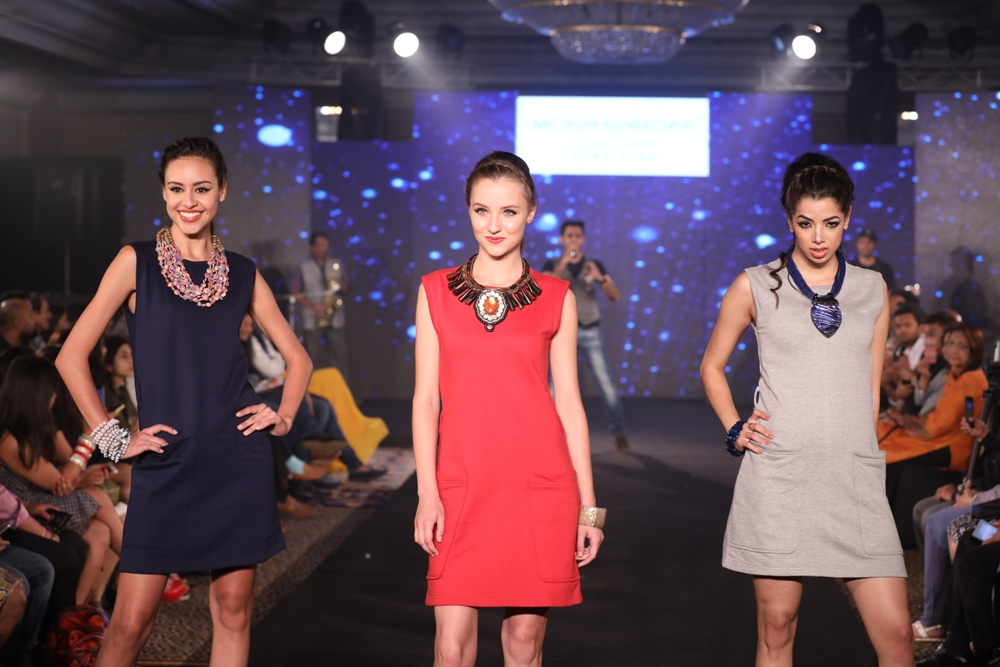 Models at Mona Shroff and Rajiv Mehta Show at IIFW (29) (1)